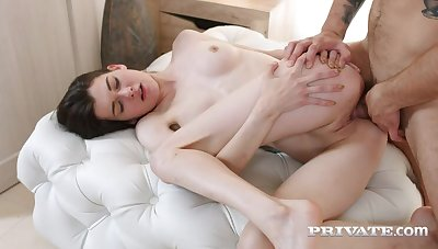 Ariana Shaine, Red-letter day Anal