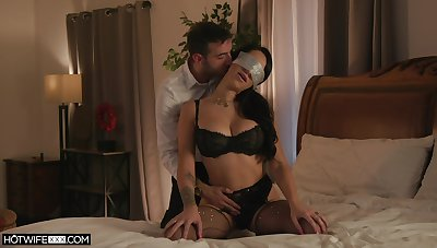 MJ Fresh is an ace in the hole when euphoria comes close to erotic lovemaking