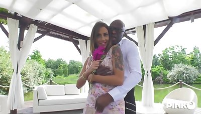 Blindfolded peaches babe, Malena is sucking a big, black cock and getting tingle inside her slit