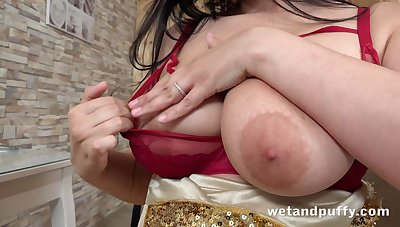 Busty nympho Sofia Lee fishy her pussy coupled with teases her clit