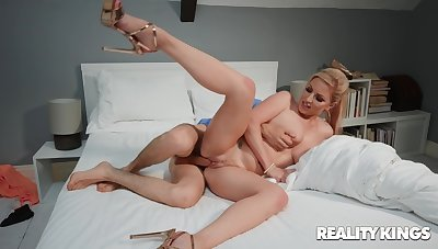 Titanic cock for mommy during her first webcam session