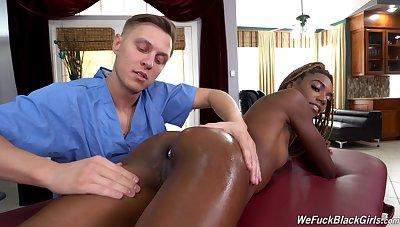 Ruffled ebony seems take note a good massage anal