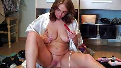 Untrained mature Marta drops her clothes to play with her favorite dildo